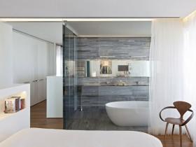 Stylish interior tub