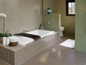 Combined bathroom, tiled