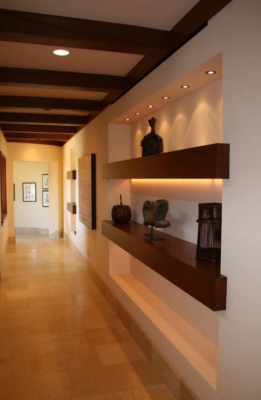 Дизайн полки в коридоре