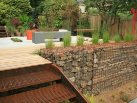 The high-tech style in landscape design