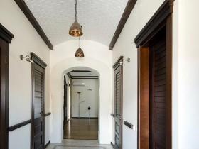 Corridor in a Mediterranean style