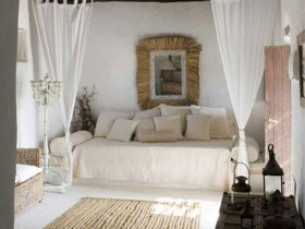 Bedroom in a traditional Mediterranean style