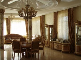 The architectural style of classicism in the interior