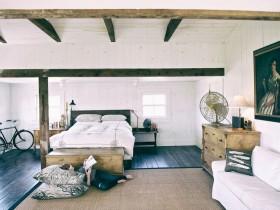 Светлая спальня ў скандынаўскім стылі