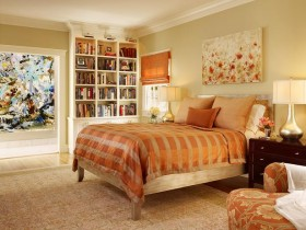 Прыгожая спальня ў аранжавых адценнях