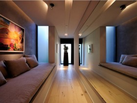 The hallway design idea with mirror wall