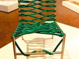 Lawn chair with a hose