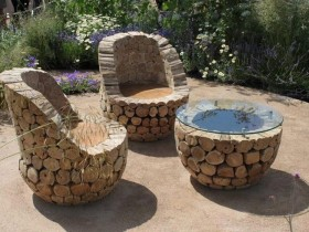 Garden table and chairs made of wood