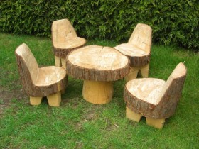 The idea of garden furniture from stumps