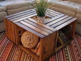 Садовы столік з скрынь