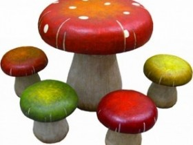 Garden table and chairs in the form of mushrooms
