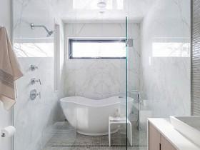 Ванная пакой белага колеру