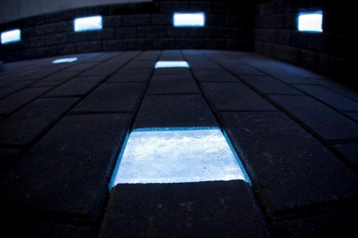 Светящиеся светодиодные камни