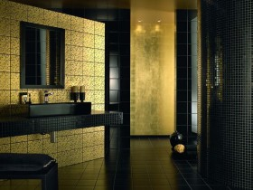 Combination of dark gold in the interior