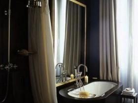 Интерьер ванной комнаты темного цвета