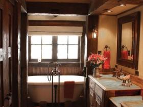 Ванна кімната під дерево