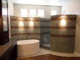 Интерьер темной ванной комнаты