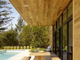 Стильная терраса из дерева
