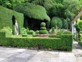 Топиари в регулярном саду