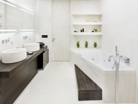 Interior white bathroom