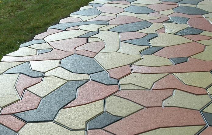 Пример садовой дорожки, сделанной из тротуарной плитки