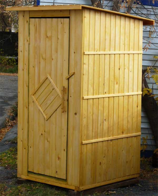 Традиционный туалет для  дачи своими руками