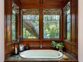 "Luxury bathroom ""under the tree"""