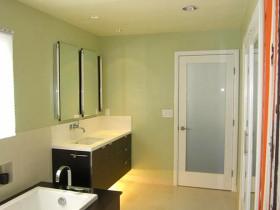 Modern bathroom with lighting