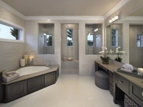 Прасторная ванная пакой сучаснага стылю