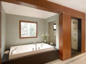 Spacious bathroom modern style