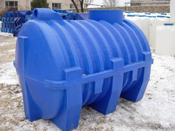 Пластиковый бак для выгребной ямы