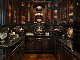 Luxurious English kitchen