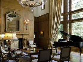 Harmonious Victorian interior living room