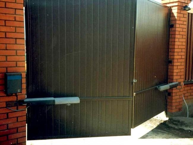 Автоматически распашные ворота