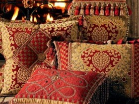 Pillows in Oriental design