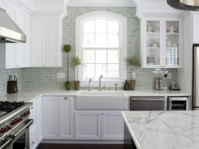 Kitchen design with elements of Renaissance style