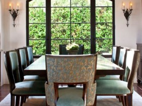 Dining room with elements of Renaissance style