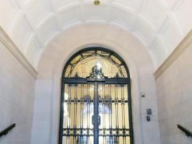 Вхідні двері в стилі Ренесанс