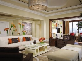 Сучасна вітальня з елементами стилю Відродження