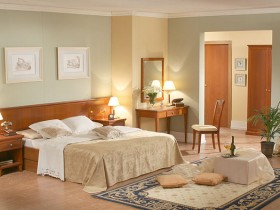 Сучасна спальня з елементами Ренесансу
