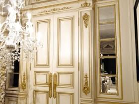 Двері в стилі Ренесанс