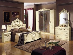 Luxurious bedroom style Renaissance