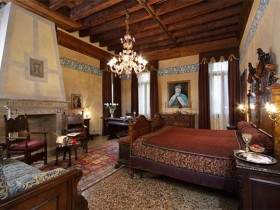 Bedroom decoration in Renaissance style