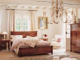 Ренесанс в інтер'єрі спальні