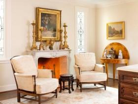 Вітальня з каміном в стилі Відродження