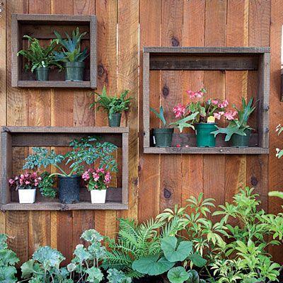забор из цветочных ниш