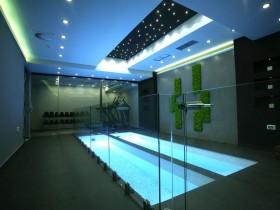 Закрытый бассейн дома